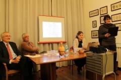 I relatori mentre Monica Stefani legge gli atti del processo
